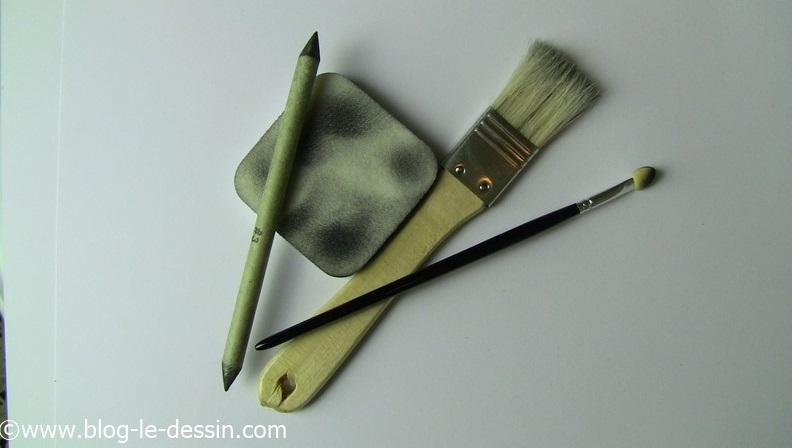 Voici les 4 petits outils que je vais tester dans cet article sur le dessin réaliste.