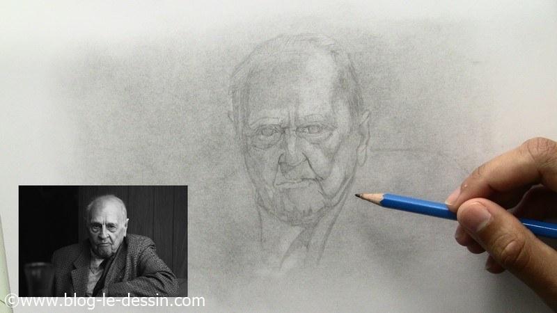 portrait personnes agees reajustement crayon